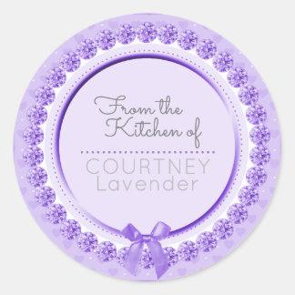 De la cocina del gris púrpura de la etiqueta