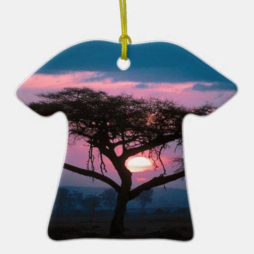 De la puesta del sol africano al este adorno de navidad