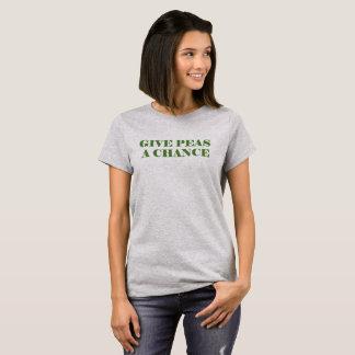 Dé los guisantes o la paz una ocasión camiseta
