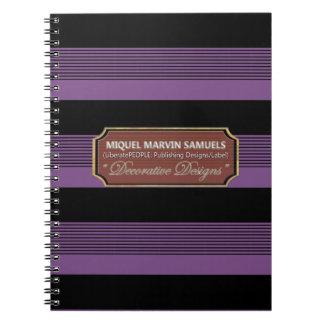 De nuevo al cuaderno negro púrpura decorativo de