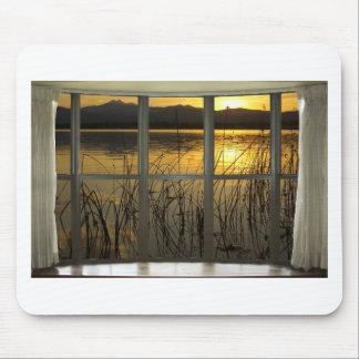 de oro-gemelo-pico-lago-ventana-vista alfombrilla de ratón