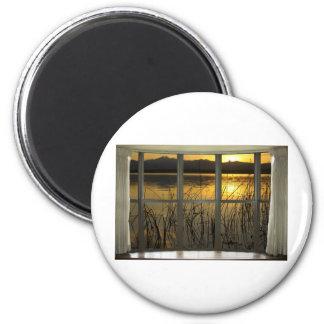de oro-gemelo-pico-lago-ventana-vista imán redondo 5 cm