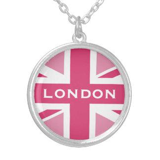 ~ de Union Jack en rosas femeninos Collar Plateado