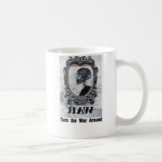 Dé vuelta a la guerra alrededor de la taza