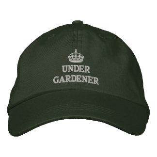 Debajo de jardinero con la corona gorras de beisbol bordadas