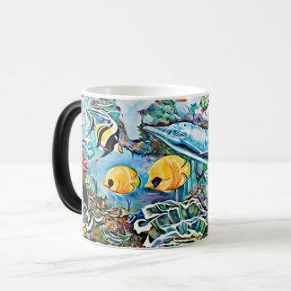 Debajo de la taza de café del océano de las