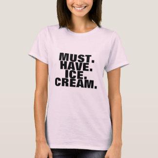 Debe tener camiseta del helado
