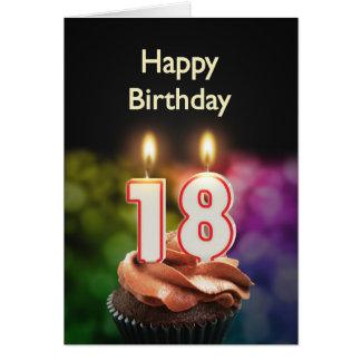 décimo octavo Cumpleaños con la torta y las velas Tarjeta De Felicitación