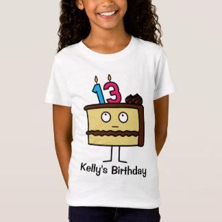 décimotercero Torta de cumpleaños con las velas Camiseta