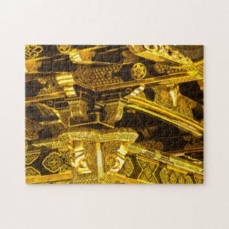 Decoración adornada de la puerta del templo del puzzles