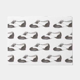 Decoración blanco y negro del zapato del golpecito