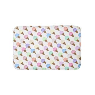Decoración colorida del cuarto de baño del cono de alfombrilla de baño