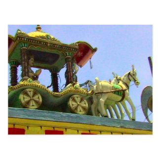 Decoración del templo hindú, del caballo y del car postal