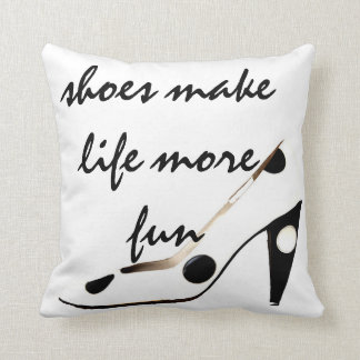Decoración linda de los zapatos almohada