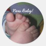 ¡dedos del pie, nuevo bebé! pegatina redonda