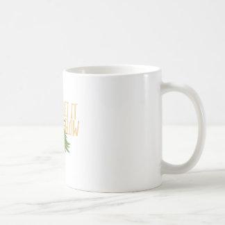 Dejáis le brillar intensamente taza de café