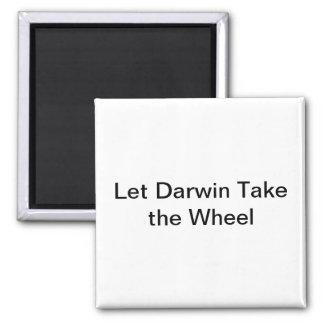 Deje Darwin tomar el imán de la rueda