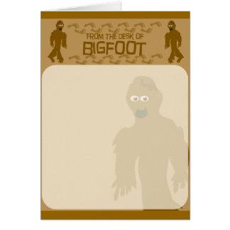 ¡Del escritorio de Bigfoot! Tarjeton
