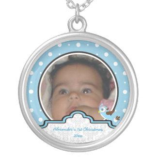 Del lunar del pájaro de la etiqueta del bebé 1r colgante redondo