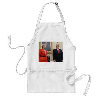 Delantal El presidente Donald Trump y P.M. británico Teresa