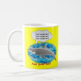 Delfín que habla taza básica blanca