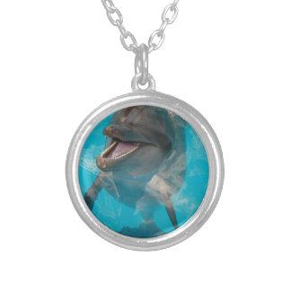 Delfín sonriente pendientes