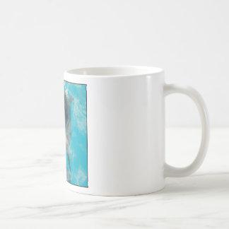 Delfín sonriente taza básica blanca