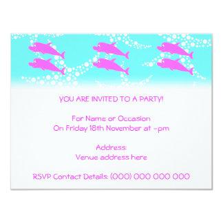 Delfínes rosados invitación 10,8 x 13,9 cm