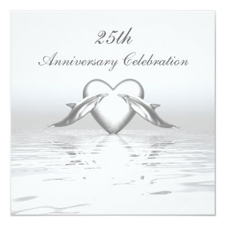 Delfínes y corazón de plata del aniversario invitación 13,3 cm x 13,3cm