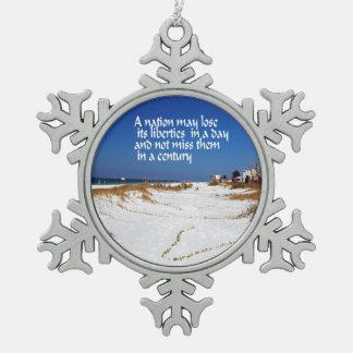 Déme la libertad adorno de peltre en forma de copo de nieve