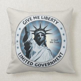 Déme la libertad cojín