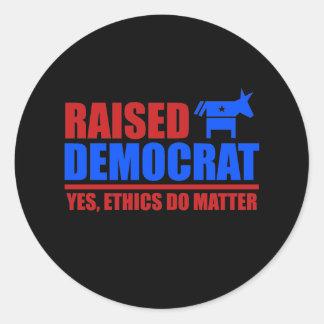 Demócrata criado. Los éticas importan sí Pegatinas Redondas