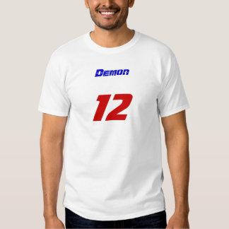 Demonio, 12 camisetas