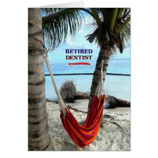 Dentista jubilado, hamaca debajo de las palmeras tarjeta de felicitación
