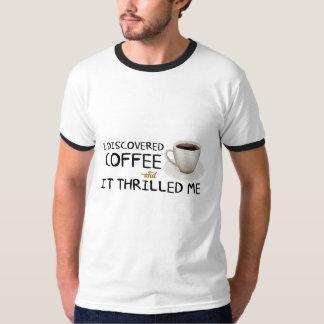 """""""Descubrí la camisa de los hombres del café"""""""