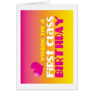 ¡Deseándole un cumpleaños de la primera clase! Felicitacion