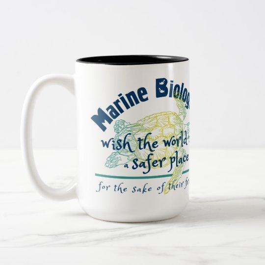 Deseo marino del biólogo el mundo a ser un lugar taza de café de dos colores
