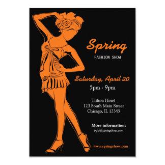 Desfile de moda (naranja) invitación 12,7 x 17,8 cm