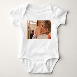 Desgaste de encargo del bebé de la foto body para bebé