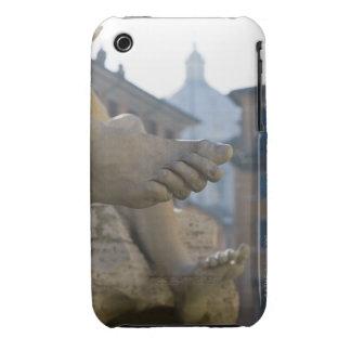 detalle del primer de pies scuptured en el Fontana Carcasa Para iPhone 3