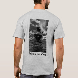 Detrás de la estela camiseta