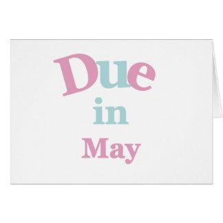 Deuda rosada en mayo tarjeta de felicitación