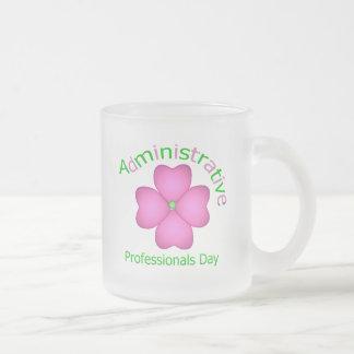 Día administrativo de los profesionales del arte d taza cristal mate