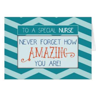Día de las enfermeras, sorprendiendo con las rayas tarjeta de felicitación
