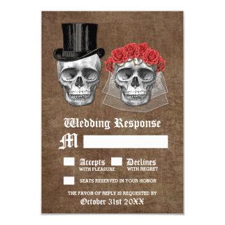 Día de los pares muertos del cráneo que casan las invitación 8,9 x 12,7 cm
