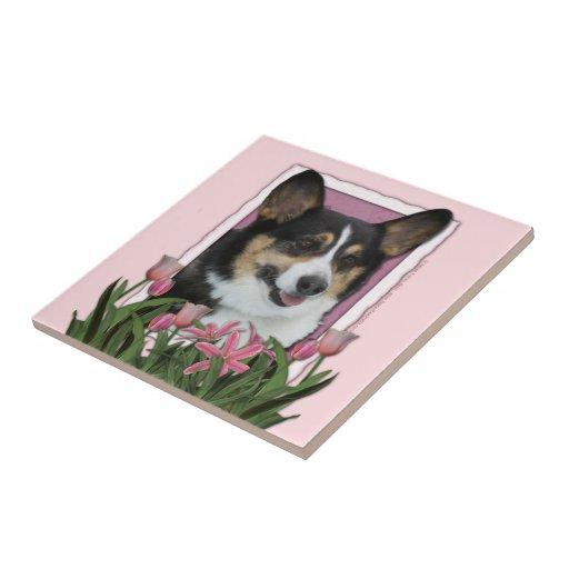 Día de madres - tulipanes rosados - Corgi - Owen Azulejos