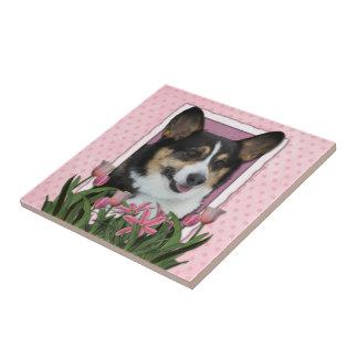 Día de madres - tulipanes rosados - Corgi - Owen Teja Ceramica