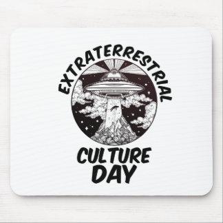 Día extraterrestre de la cultura - día del aprecio alfombrilla de ratón