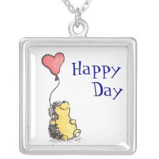 ¡Día feliz! Collar Plateado