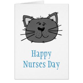 Día feliz de las enfermeras con el gato para la tarjeta de felicitación